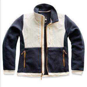 North Face Womens Denali 2 Fleece Jacket-SOLD